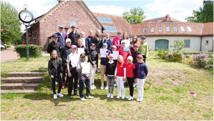 LÖWENROT-Teams erfolgreich bei JtfO Golf